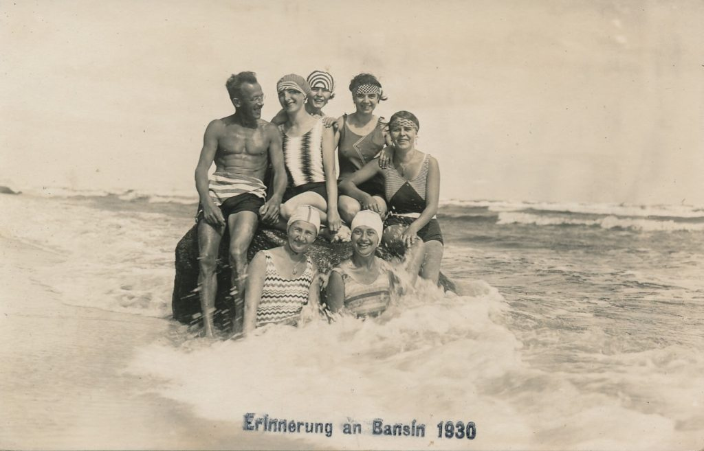 Badekultur an der Ostsee - Strandmode im Laufe der Geschichte